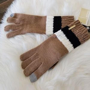 B2G1 NWT Michael Kors Brown Colorblock Knit Gloves